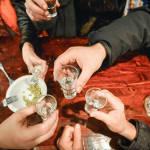 Врачи рассказали, как правильно пить алкоголь на корпоративах