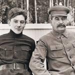 За что власти СССР арестовали сына Сталина в 1953 году