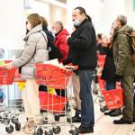 С 1 февраля магазины начнут выдавать новые чеки. Что это значит для покупателей и бизнеса